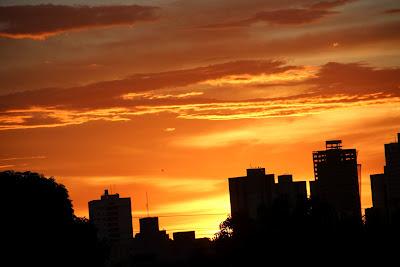 O pôr do sol de Goiânia oferece um verdadeiro espetáculo de cores