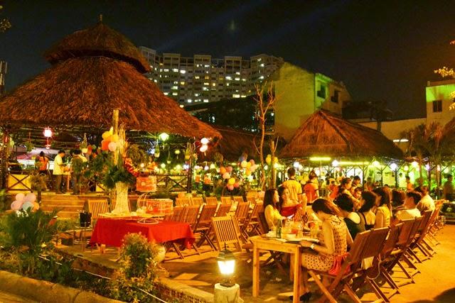 vịt quay sân vườn Sài Gòn
