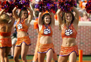 Cheerleader PIC of college football