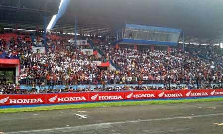 tribun penonton Marquez di Sentul