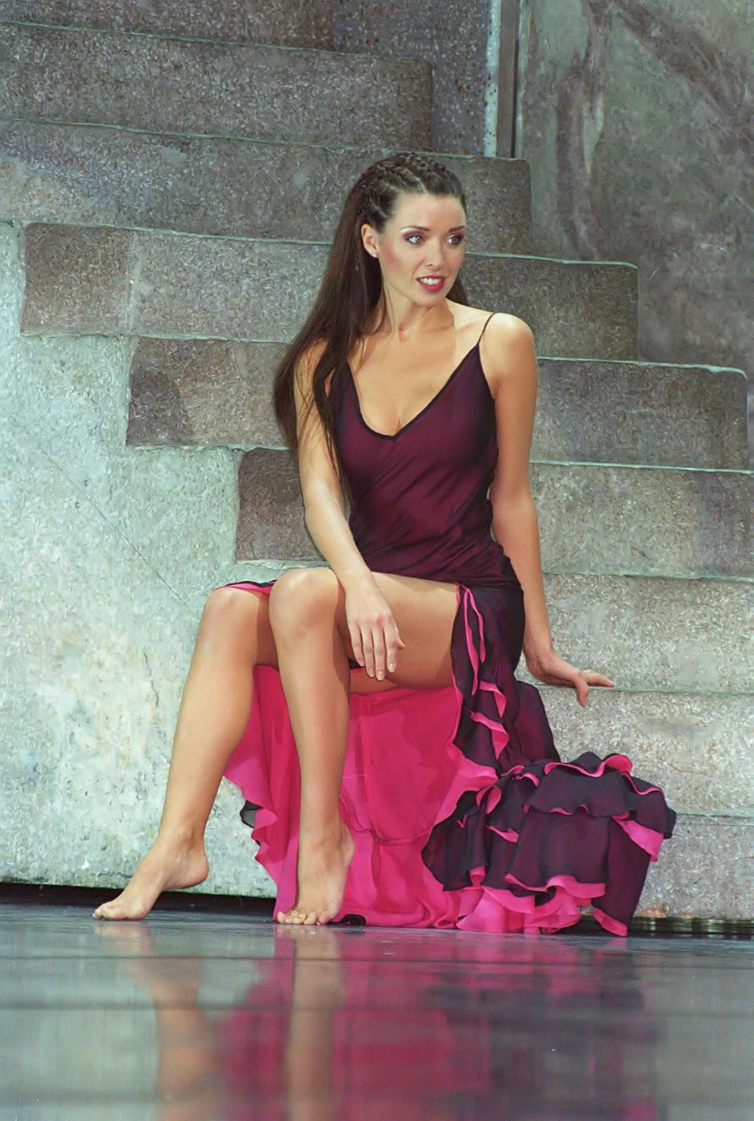 http://4.bp.blogspot.com/-n7HgaeZh2DQ/ULUiyGBp8zI/AAAAAAAASBs/ihpma_TKyWE/s1600/Dannii_Minogue22.jpg