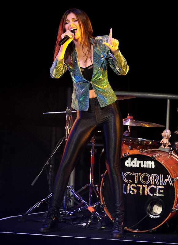 Victoria Justice performs at the Gibson Amphitheatre