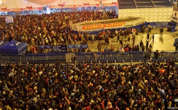 Liburan Imlek Di Beijing, Ribuan Orang Terjebak di Stasiun KA