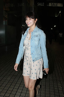 Anushka Sharma Spotted in a pale White Short Skirt Cute Pics