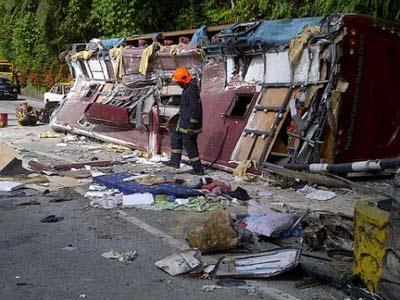 pix gal3 kemalangan bas di genting highlands 5/3/2012