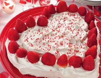 tort capsune inimioara