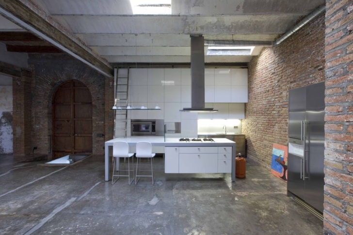 Industrial Loft In Barcelona