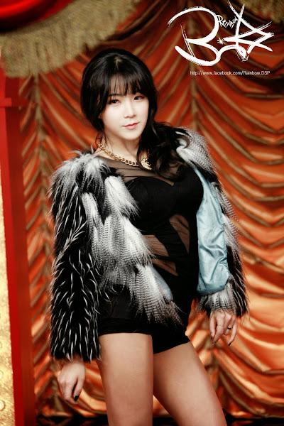 Hyunyoung Cha Cha Backstage
