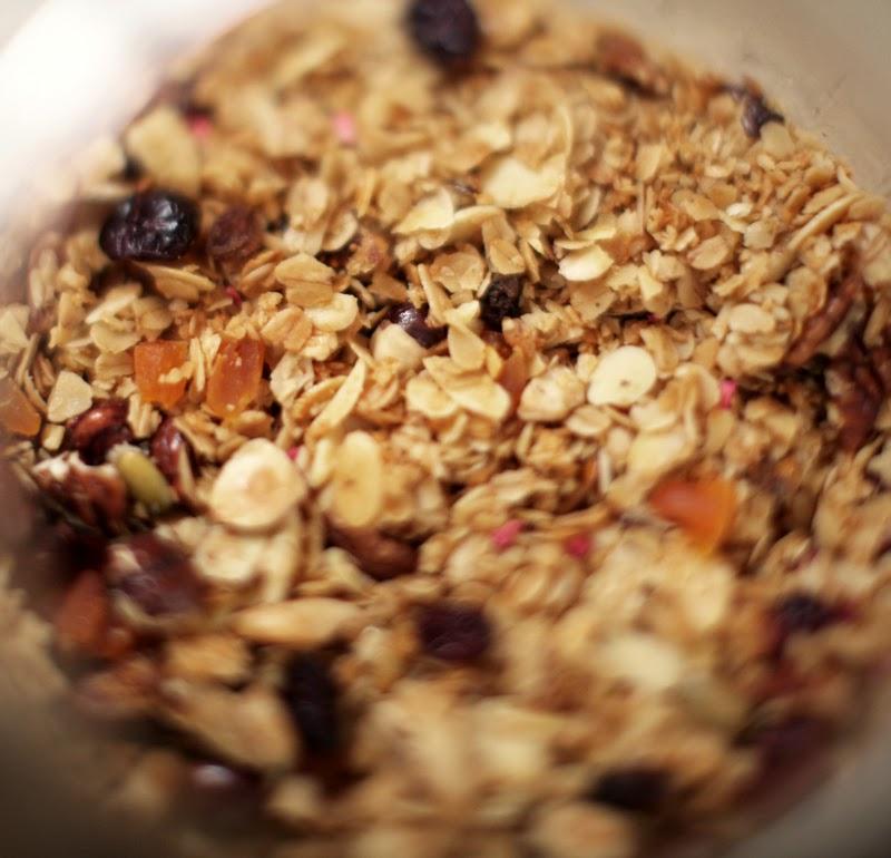 granola z karmelizowanymi orzechami