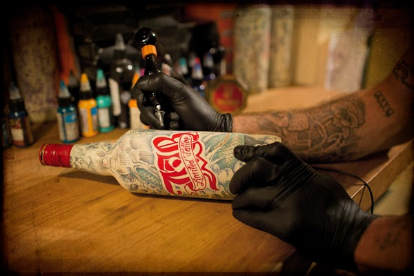 http://adcstudio.blogspot.tw/2014/02/j-real-tattooed-bottles-by-sphinx.html