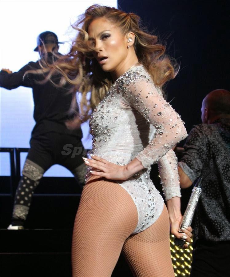 Jennifer Lopez Kalçası İçin Tek Hareket