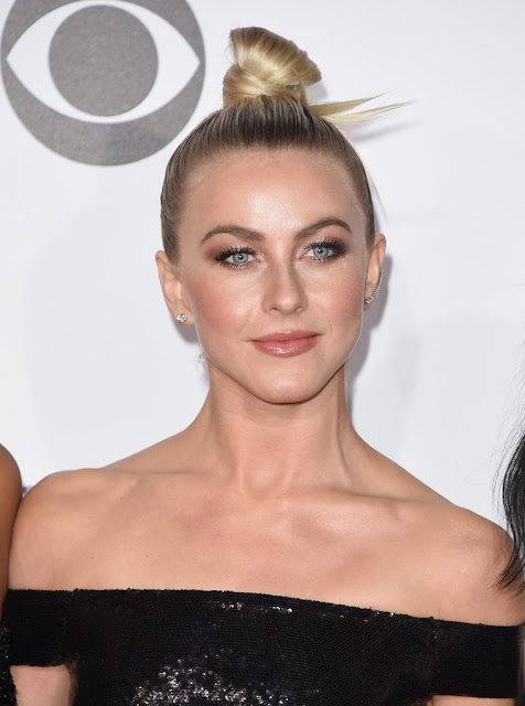 Actress, Singer, @ Julianne Hough - People's Choice Awards in LA
