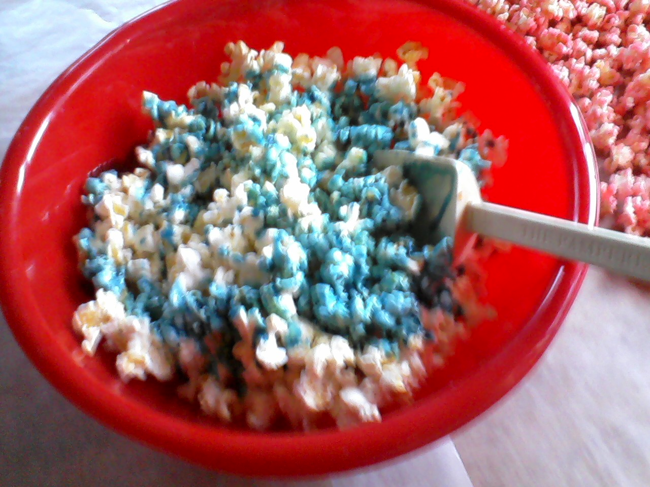 how to make colored popcorn in a popcorn machine