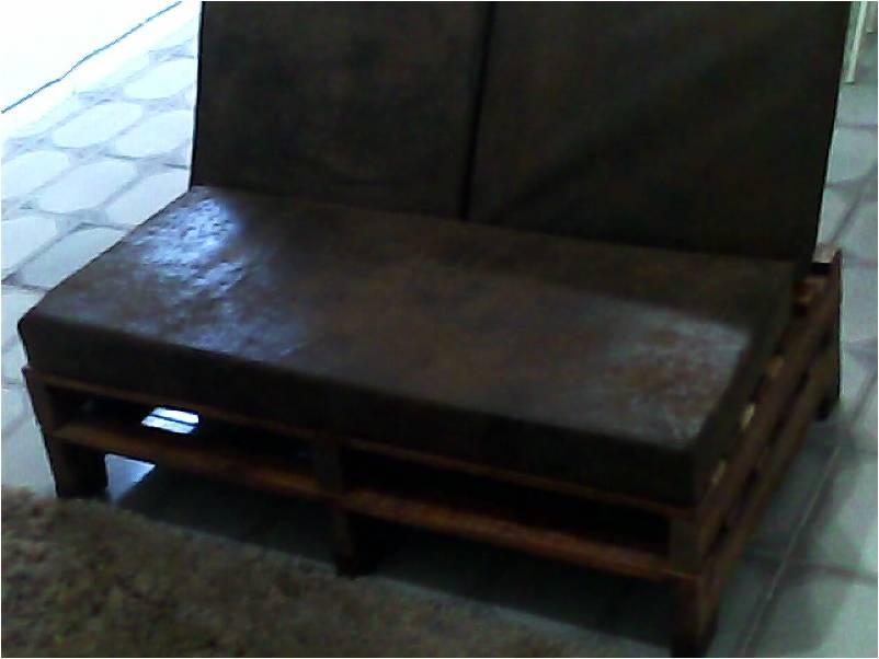 sofá feito com pallets