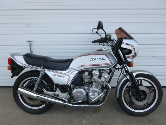 Motorcycle on 1991 Honda Nighthawk 750