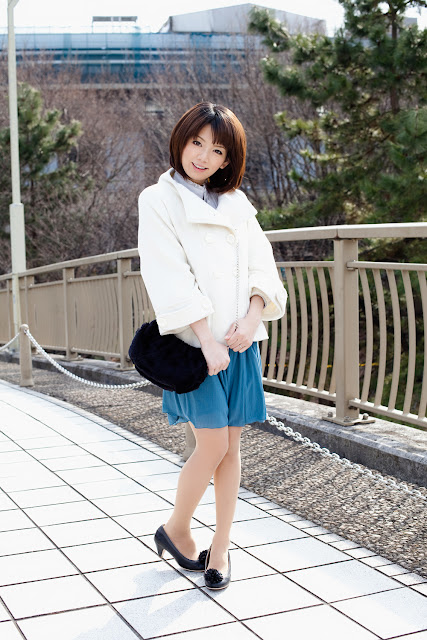 Nozomi+Mayu+hello+office+girl02.jpg