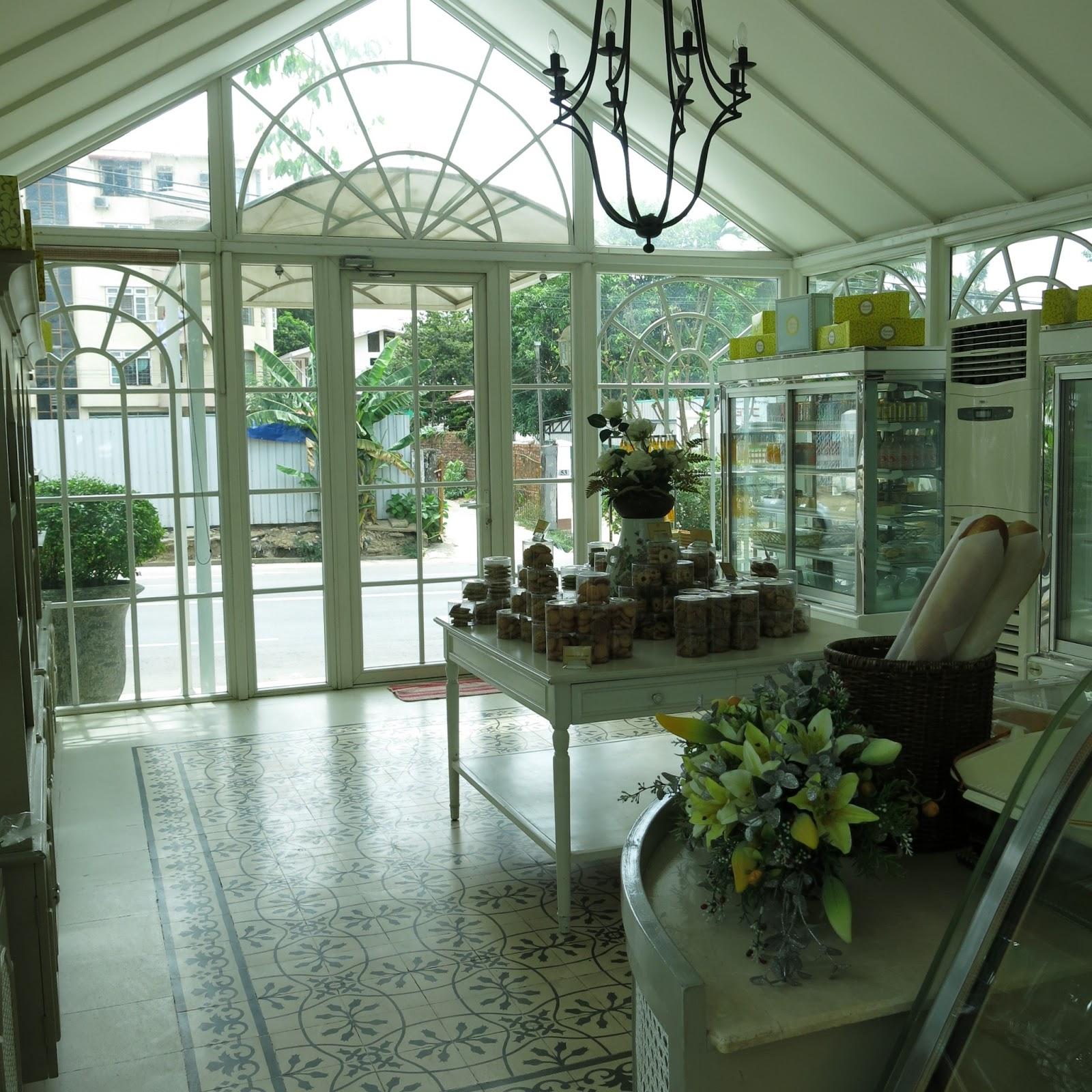 Missyimply acacia tea salon yangon myanmar for Acacia beauty salon