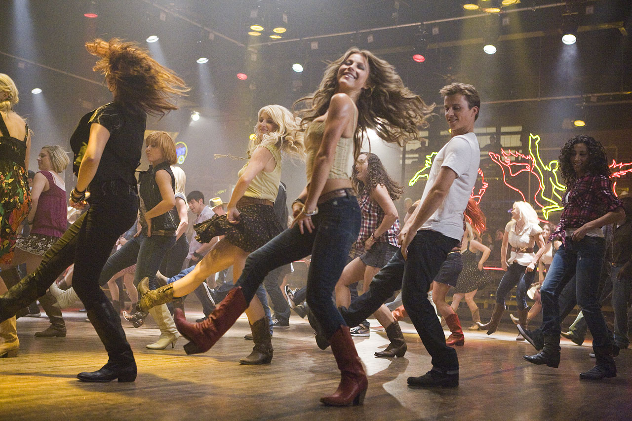 http://4.bp.blogspot.com/-n97ZUXSWTAo/TzxQ7lxjruI/AAAAAAAABc8/p6JCLBY6lzY/s1600/Footloose-Remake-2011-Theatrical-Still-Julianne-Hough.jpg