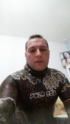 COMIENDO ANTES DE SALIR A PESCAR