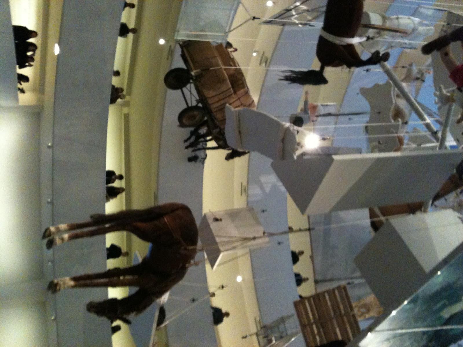 die kultussen maurizio cattelans all im guggenheim new york. Black Bedroom Furniture Sets. Home Design Ideas