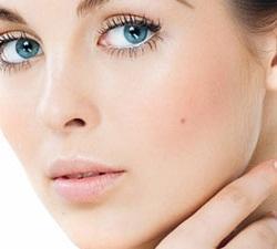 وصفات منزلية طبيعية لتشقير وتفتيح شعر الوجه - امرأة  بنت جميلة