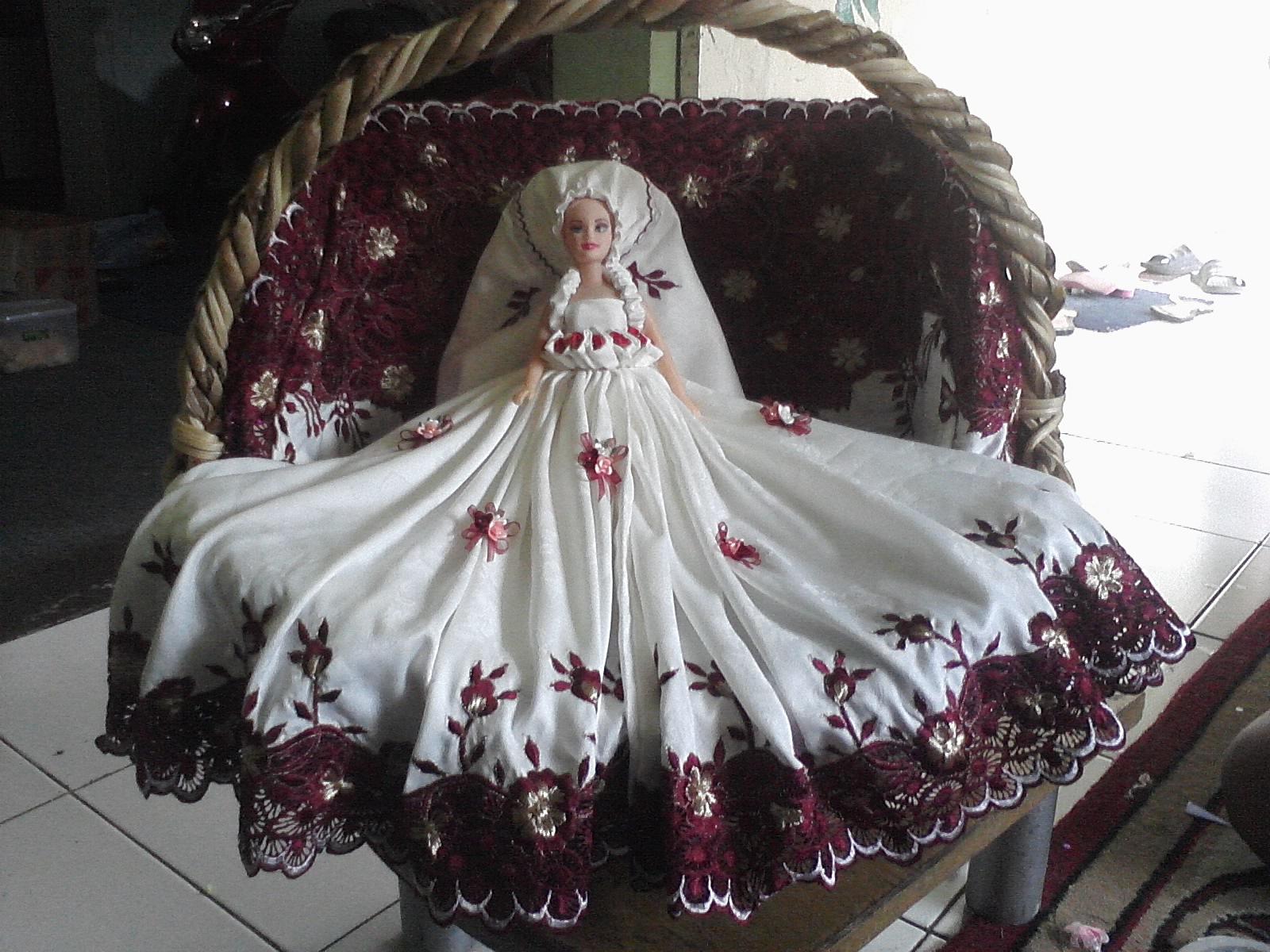 Puji Parcel membuat aneka seserahan untuk Hantaran pernikahan