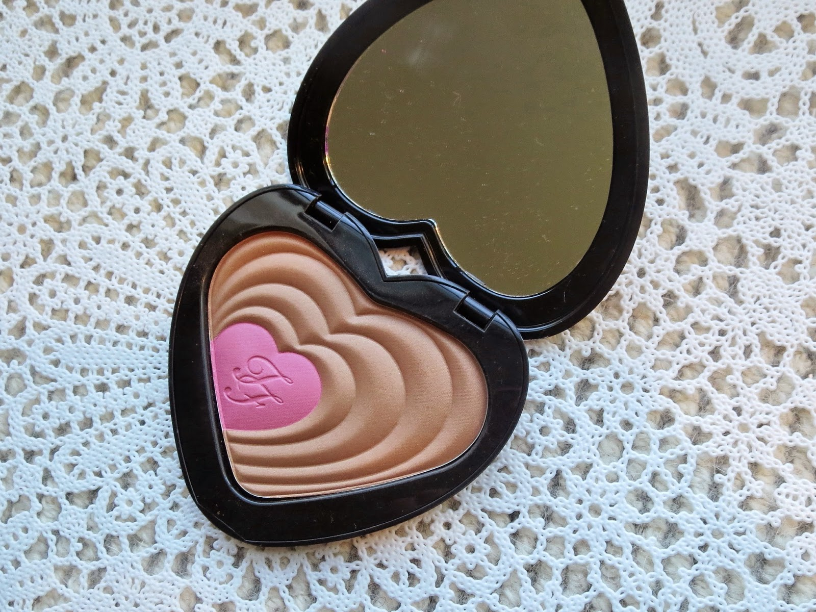 a picture of Too Faced Soul Mates Ross & Rachel blushing bronzer