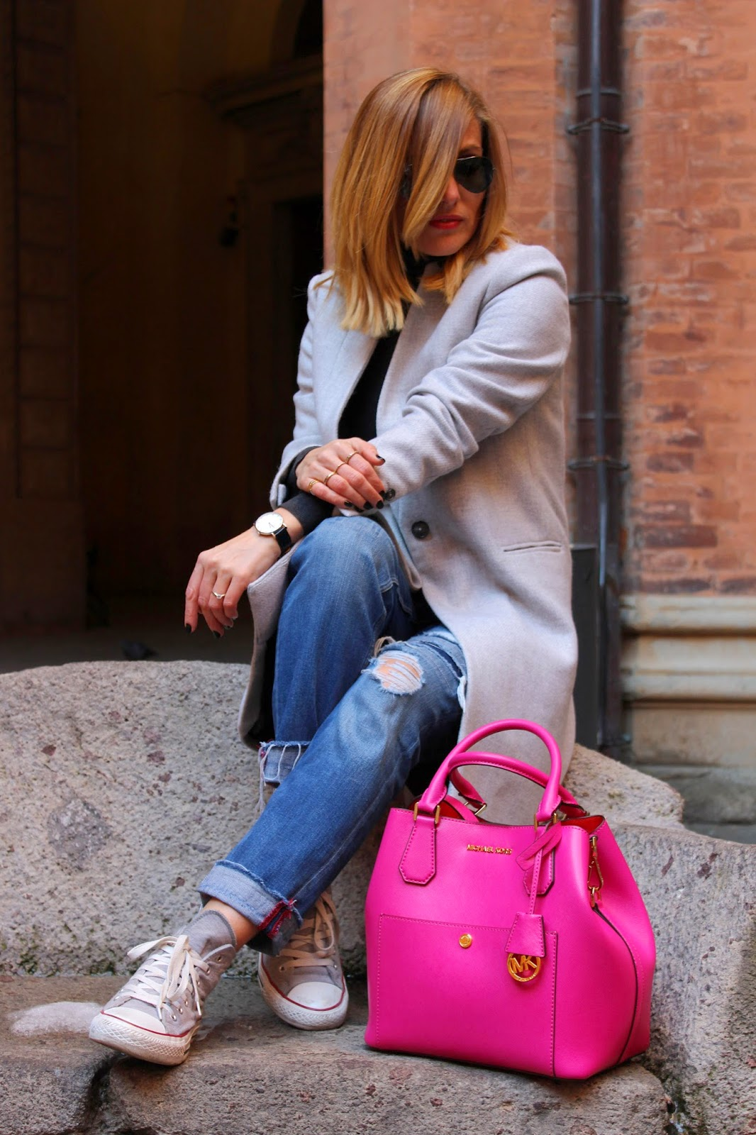Eniwhere Fashion - Bologna - Maxi grey coat - MK Bag- Daniel Wellington Watches