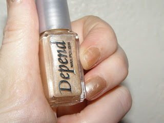 Depend gold nailpolish