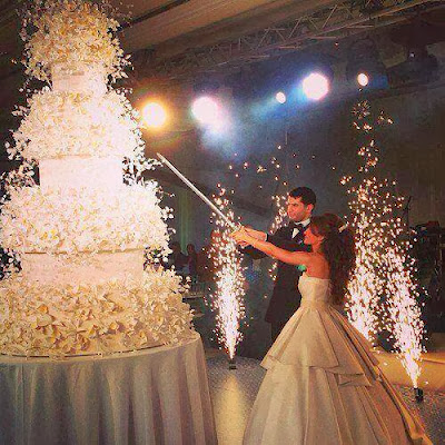2013, Beautiful, Best, bridal party, Bride, Cake Design, cookie, Fashion, Groom, Requirements of Weddings, Wedding, Wedding cake,