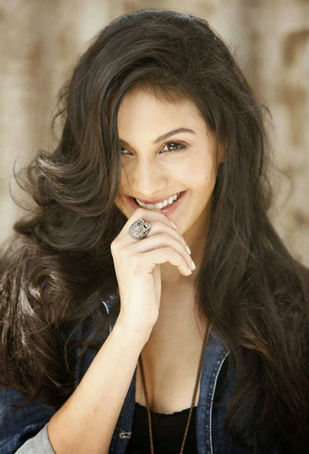 Actress Amyra Dastur Latest Cute Hot Spicy Photoshoot Gallery