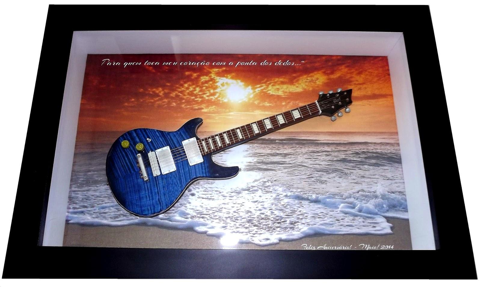 Miniatura Guitarra Cort M600