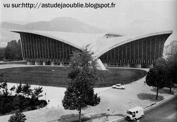 Grenoble - Le Stade de Glace - Palais des Sports  Architectes: Robert Demartini, Pierre Junillion  Ingénieur: Nicolas Esquillan  Intégration: Jean Dewasne  Construction: 1967