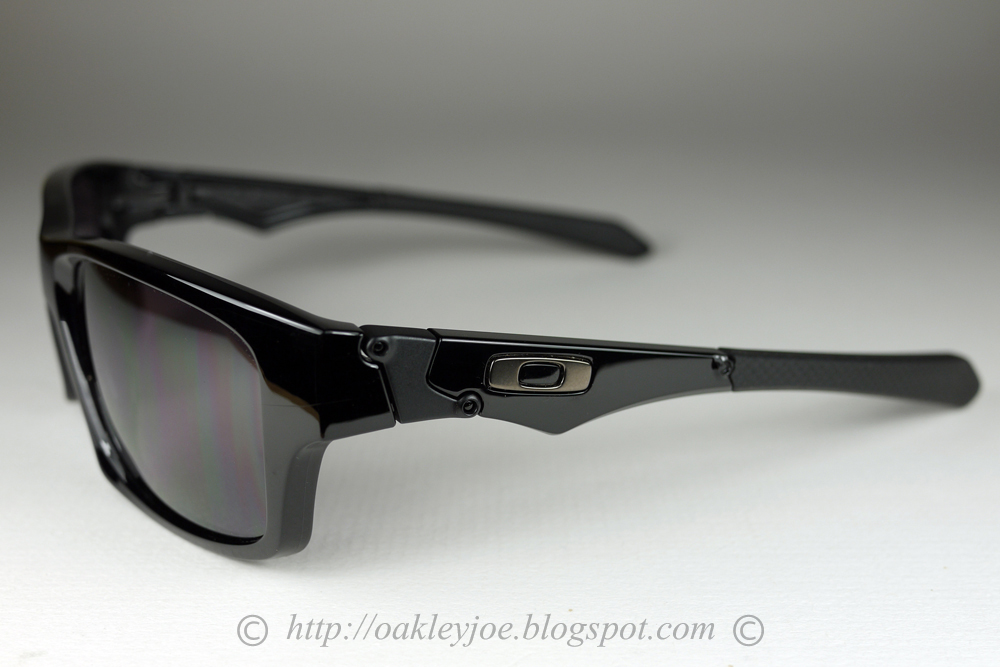 oakley jupiter squared black iridium