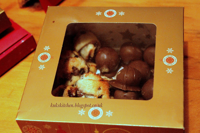 chocolate peanut butter balls Christmas gift idea