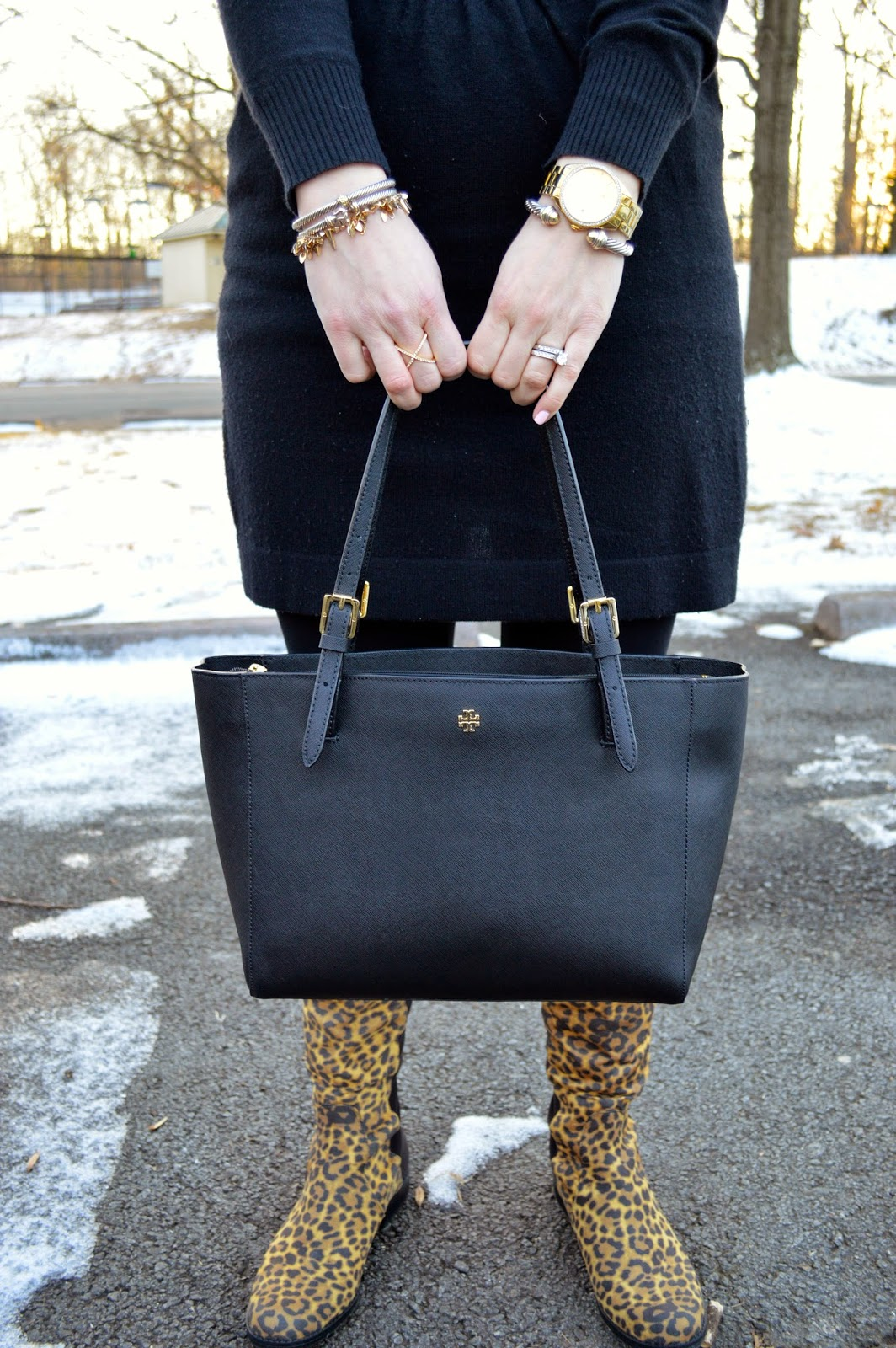 tory-burch-black-bag