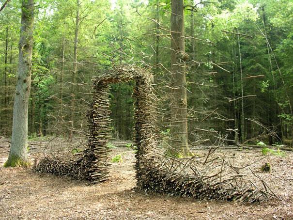 Nghệ thuật với hững vùng đất kì lạ phi trọng lực