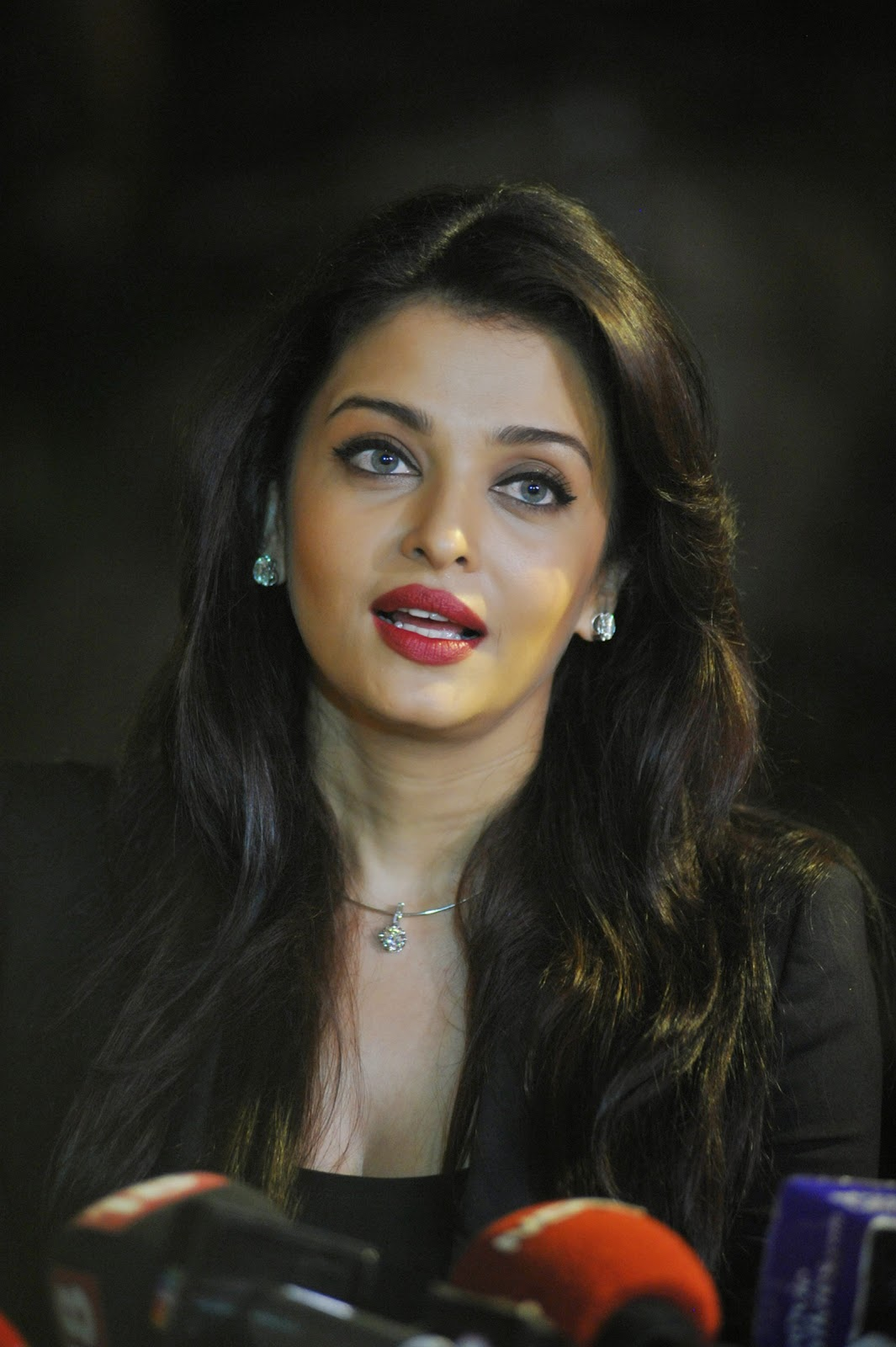 Bollywood actress Aishwarya Rai Bachchan birthday Images