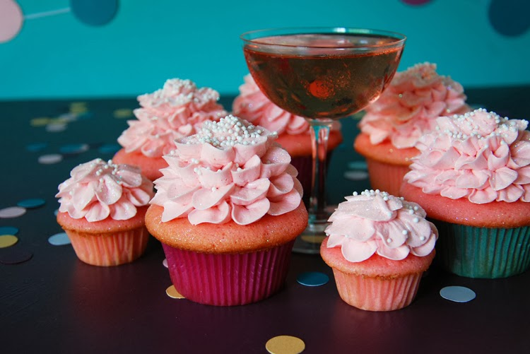Trophy Cupcakes and Party! Pink Champagne Cupcakes