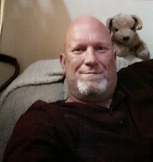 Ken H, single Man 46 looking for Woman date in United States Newhall