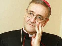 Arcebispo Antonio Mennin, representante do Vaticano no Reino Unido