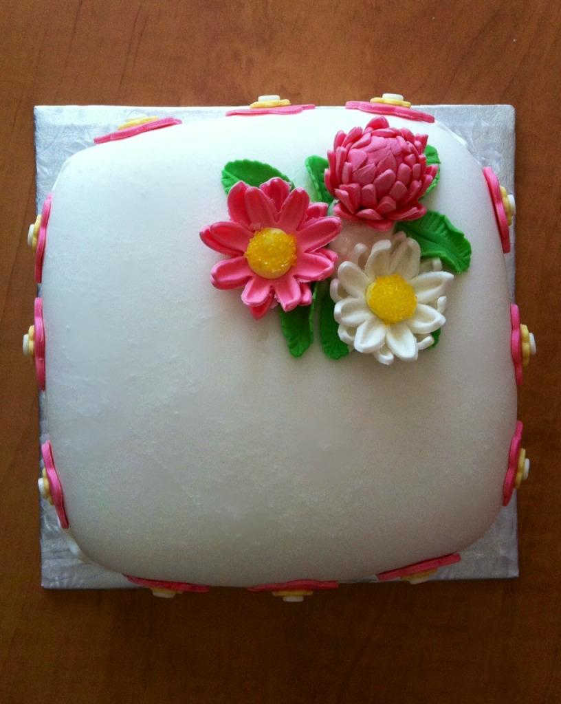 Vanilla Cake Decor : Sweet Treats Baked With Love: French Vanilla Cake - Cake ...