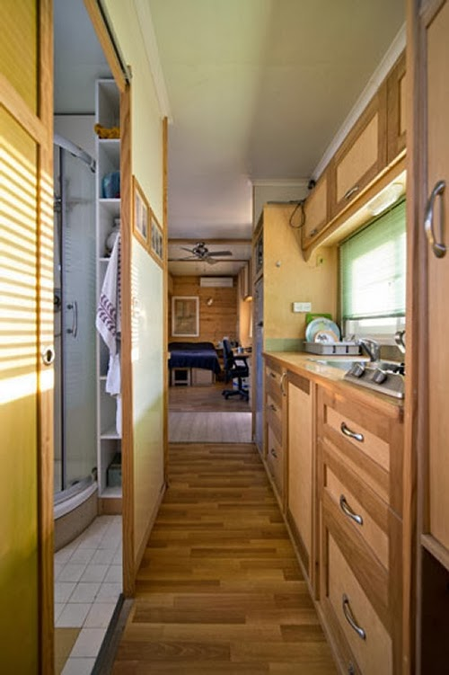 08-Corridor-Yosi-Tayar-Animator-RV-Home-Recreational-Vehicle-www-designstack-co
