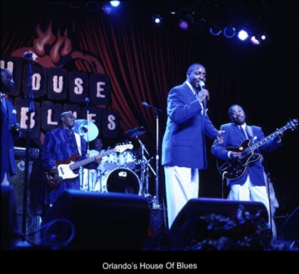&lt;img src=&quot;image.gif&quot; alt=&quot;Orlando's House of Blues&quot; /&gt;