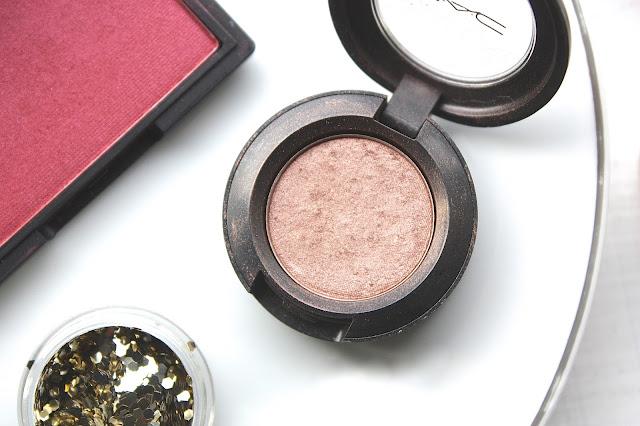 Mac Eyeshadow in Sable Review