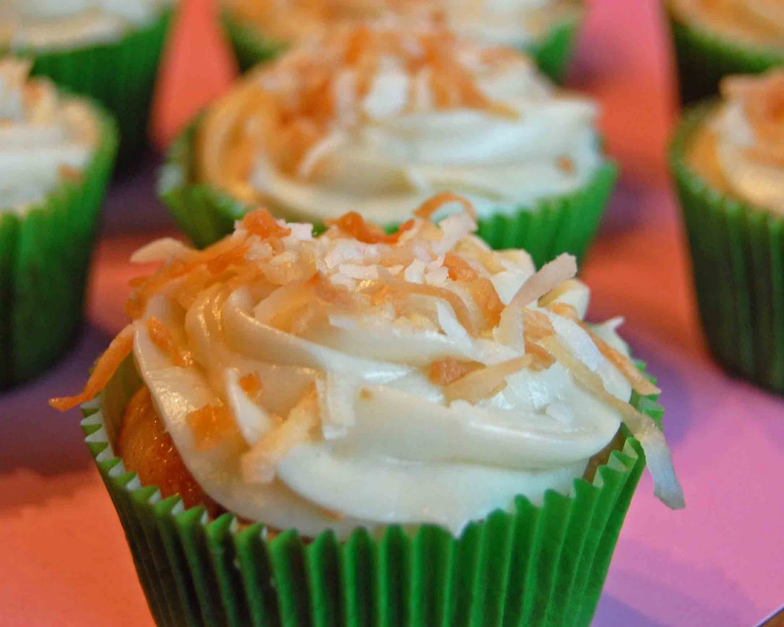 ... hummingbird cupcakes yield 24 cupcakes ingredients for the cupcakes 2