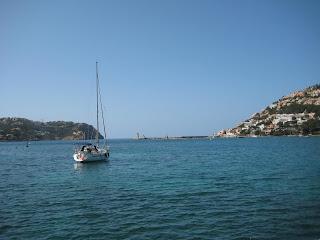Kreutzfahrten Kanutouren Inselhüpfen Segelreisen Hausbooturlaub