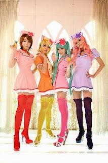 Vocaloid Nurse Miku Luka Rin Len cosplay by Ren Tasha Saya Huiyeon