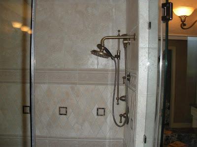 elegant-marble-bathroom