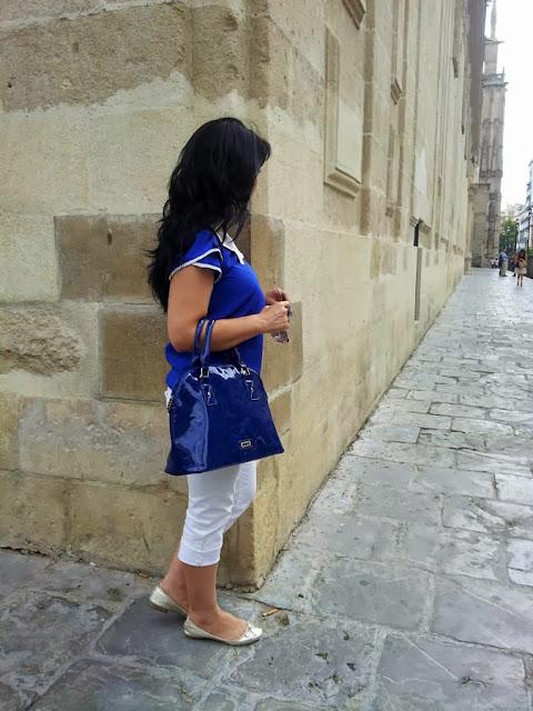 blusa_azul_eléctrico
